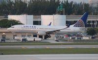 N35260 @ FLL - United 737-800