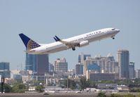 N78501 @ FLL - United 737-800