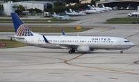 N79279 @ FLL - United 737-800