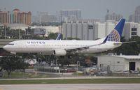 N79402 @ FLL - United 737-900