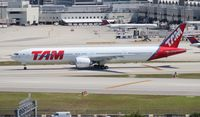 PT-MUG @ MIA - TAM 777-300