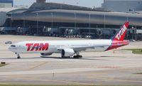 PT-MUJ @ MIA - TAM 777-300