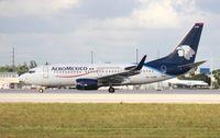 XA-AGM @ MIA - Aeromexico 737-700