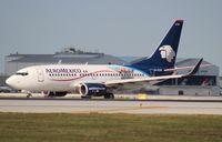 XA-CYM @ MIA - Aeromexico 737-700