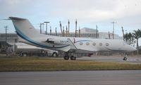 XA-LNP @ OPF - Gulfstream III