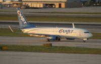C-FYQO @ FLL - Canjet 737-800