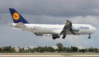D-ABYJ @ MIA - Lufthansa 747-800