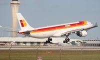 EC-LXK @ MIA - Iberia A330-300
