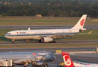 B-5901 @ LOWW - Air China A330 - by Andreas Ranner