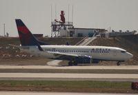 N310DE @ ATL - Delta 737-700