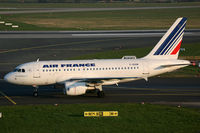 F-GUGM @ EDDL - Airbus 318 Air France