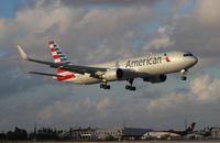 N372AA @ MIA - American 767-300
