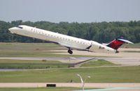 N615QX @ DTW - Delta Connection CRJ-700