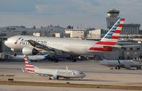 N761AJ @ MIA - American 777-200