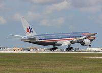 N795AN @ MIA - American 777-200