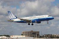 N859RW @ MIA - United Express E170