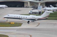 N922CB @ FLL - Gulfstream G450