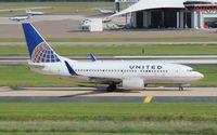 N54711 @ TPA - United 737-700