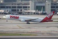 PT-MSQ @ MIA - TAM 767-300