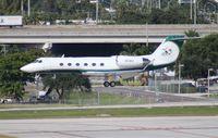N61WH @ FLL - Miami Dolphins Gulfstream G-IV