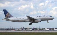 N402UA @ MIA - United A320