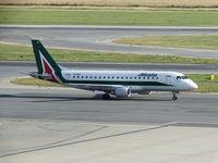EI-RDH @ LOWW - Alitalia - by FKlebl
