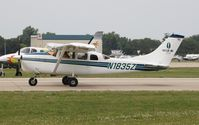 N1835Z @ KOSH - Cessna 205