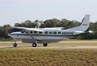 N885PE @ ORL - Cessna 208B