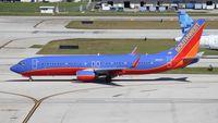 N8327A @ FLL - Southwest 737-800