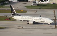 N26210 @ FLL - United Airlines Star Alliance 737-800