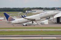 N76528 @ TPA - United 737-800