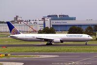 N76054 @ EHAM - Boeing 767-424ER [29449] (Continental Airlines) Amsterdam-Schiphol~PH 10/08/2006