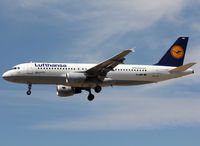 D-AIPP @ LEBL - Landing rwy 25R - by Shunn311