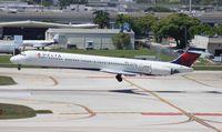N911DA @ FLL - Delta MD-90