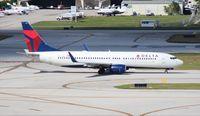 N3749D @ FLL - Delta 737-900
