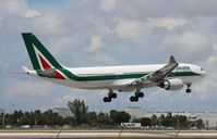 EI-EJN @ MIA - Alitalia A330-200