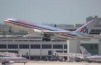 N338AA @ MIA - American 767-200