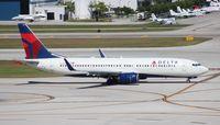 N3757D @ FLL - Delta 737-800