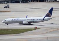 N68453 @ MIA - United 737-900