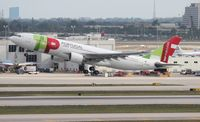 CS-TOG @ MIA - TAP Air Portugal A330-200
