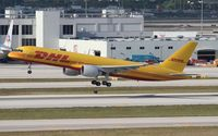 HP-2010DAE @ MIA - DHL 757-200