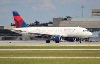 N323NB @ PBI - Delta A319
