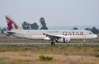 A7-AHR @ LIRF - Qatar A320 landing - by FerryPNL