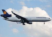 D-ALCS @ EDDF - Landing rwy 25L - by Shunn311