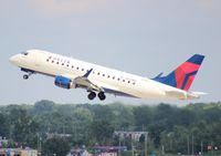 N824MD @ DTW - Delta E170