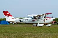 OE-DTA @ EDMT - R/Cessna F.172L Skyhawk [0857] Tannheim~D 24/08/2013 - by Ray Barber
