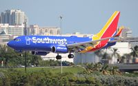 N913WN @ FLL - Southwest new 2014 colors