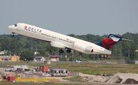 N935AT @ DTW - Delta 717