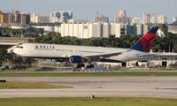 N1402A @ FLL - Delta 767-300