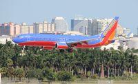 N8618N @ FLL - Southwest 737-800
